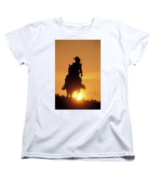 Riding Cowgirl Sunset Women's T-Shirt (Standard Fit)
