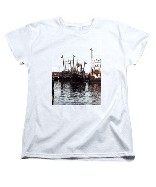 Women's T-Shirt (Standard Cut) featuring the digital art Shinnecock Painting by  Newwwman