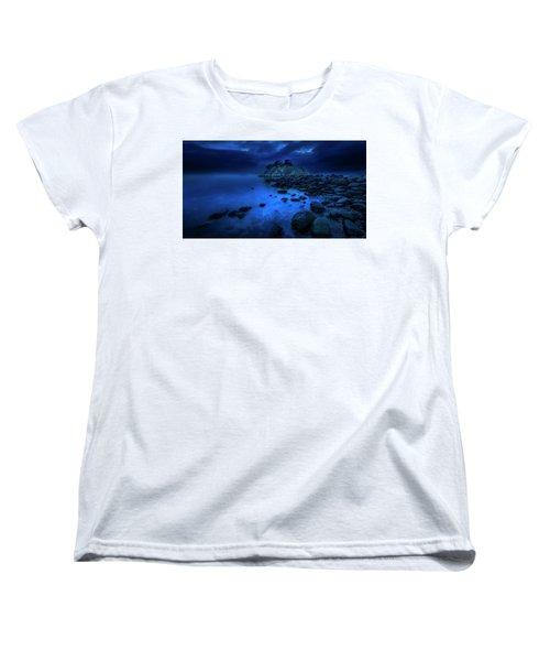 Women's T-Shirt (Standard Cut) featuring the photograph Whytecliff Dusk by John Poon