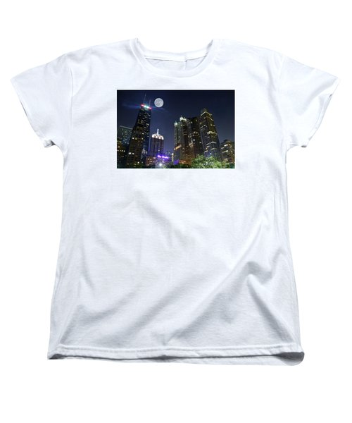 Windy City Women's T-Shirt (Standard Cut) by Frozen in Time Fine Art Photography
