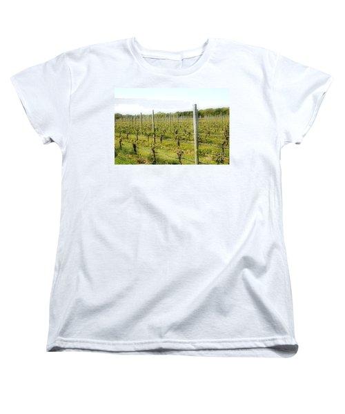 Wineries, Long Island, Ny Women's T-Shirt (Standard Cut)