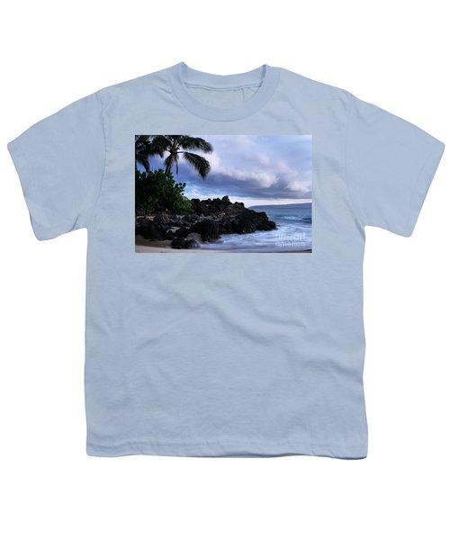 I Ke Kai Hawanawana Eia Kuu Lei Aloha - Paako Beach Maui Hawaii Youth T-Shirt by Sharon Mau