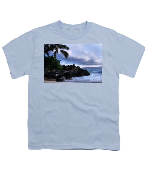 I Ke Kai Hawanawana Eia Kuu Lei Aloha - Paako Beach Maui Hawaii Youth T-Shirt