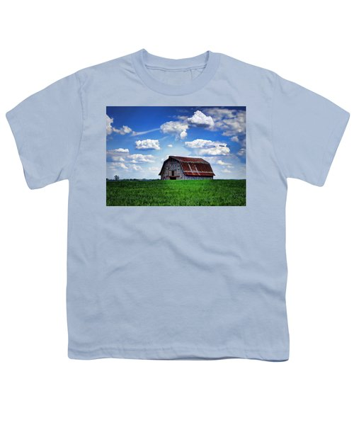 Riverbottom Barn Against The Sky Youth T-Shirt