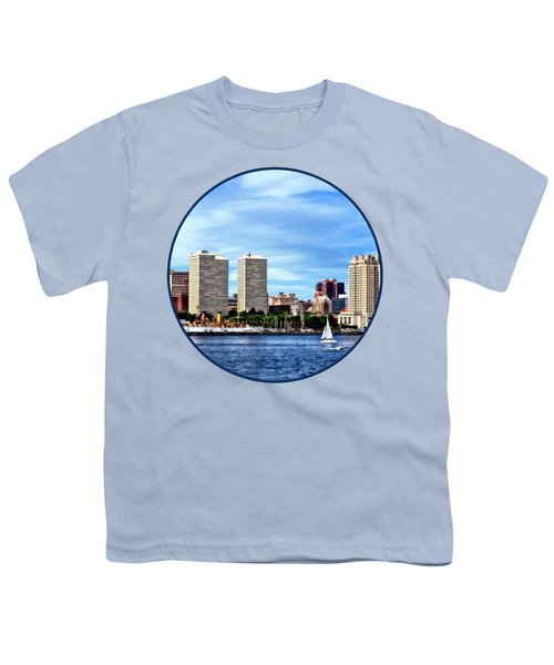 Philadelphia Pa Skyline Youth T-Shirt by Susan Savad