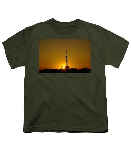Oil Rig Near Killdeer In The Morn Youth T-Shirt by Jeff Swan