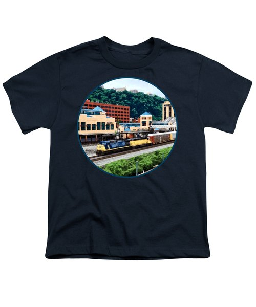 Pittsburgh Pa - Freight Train Going By Station Square Youth T-Shirt