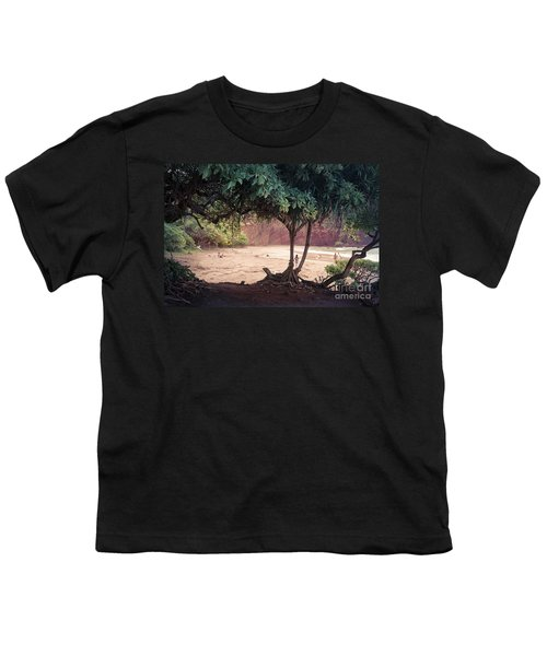 Koki Beach Kaiwiopele Haneo'o Hana Maui Hikina Hawaii Youth T-Shirt