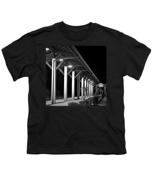 a Plataforma Das Saudades - Youth T-Shirt