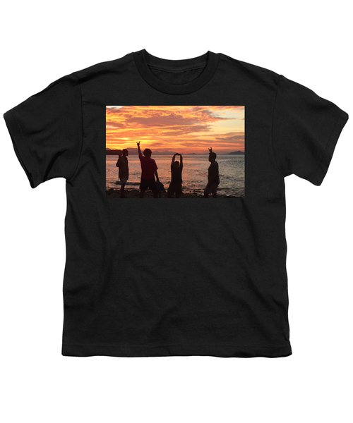Enjoying Sunrise With Friends Youth T-Shirt