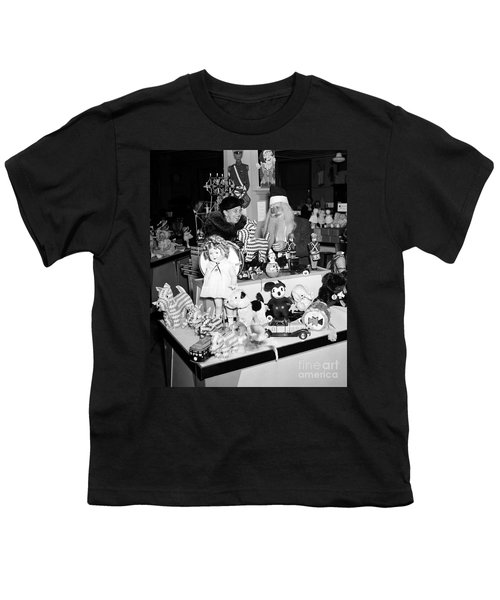 First Lady Eleanor Roosevelt And Santa Youth T-Shirt by Science Source