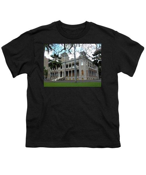 Youth T-Shirt featuring the photograph Iolani Palace, Honolulu, Hawaii by Mark Czerniec