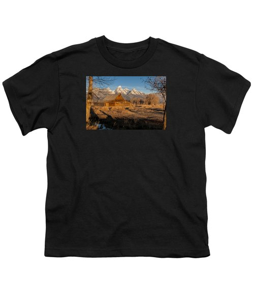 Youth T-Shirt featuring the photograph Moulton Barn by Gary Lengyel