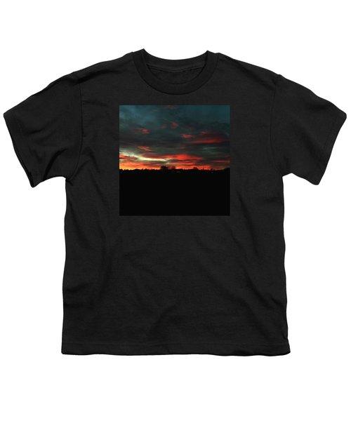 Roter Himmel Ueber Mertingen Youth T-Shirt
