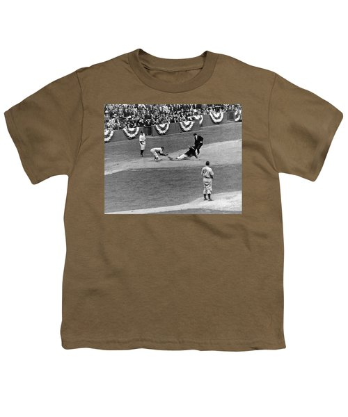 Spud Chandler Is Out At Third In The Second Game Of The 1941 Wor Youth T-Shirt
