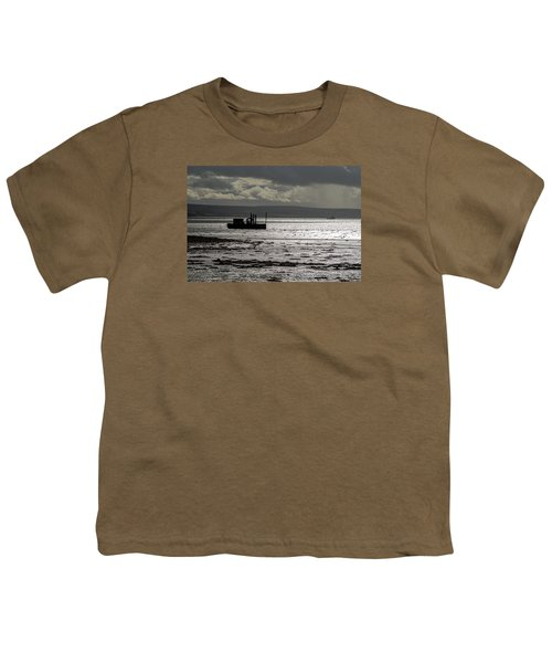 Youth T-Shirt featuring the photograph Low Tide In Isle Of Skye by Dubi Roman