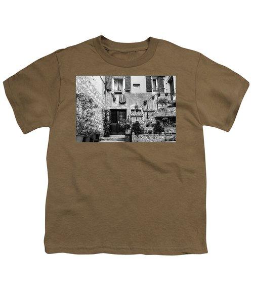 Rovinj Old Town Courtyard In Black And White, Rovinj Croatia Youth T-Shirt