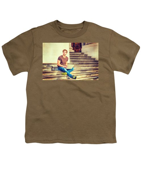 Young Man Working Outside In New York Youth T-Shirt