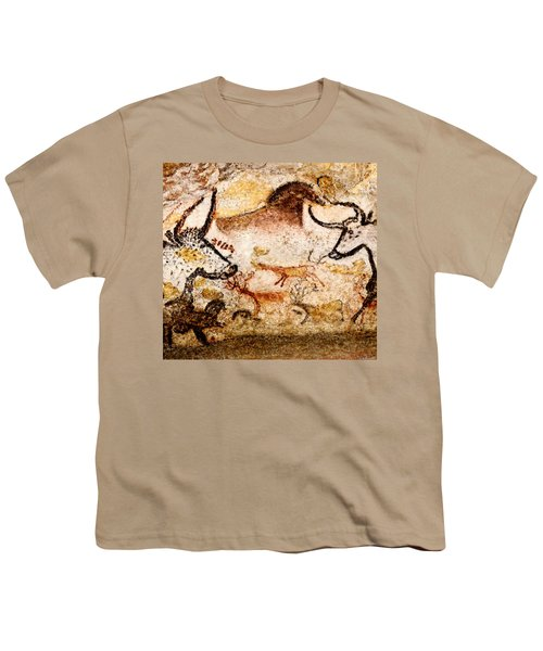 Lascaux Hall Of The Bulls - Deer Between Aurochs Youth T-Shirt