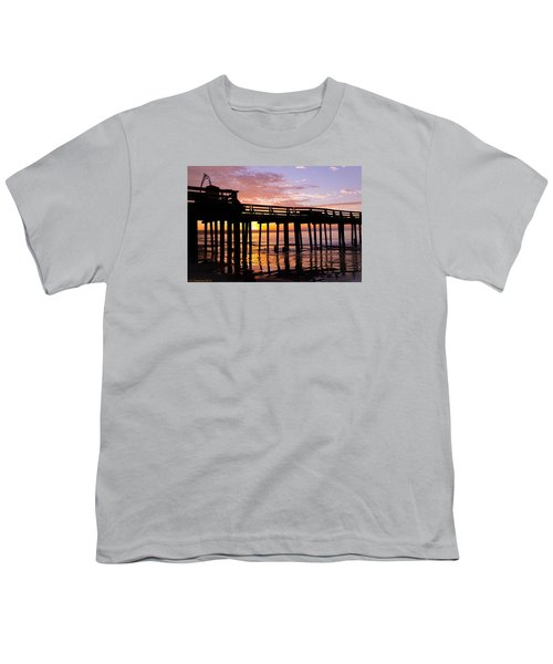 Youth T-Shirt featuring the photograph A Quiet And Beautiful Start by Lora Lee Chapman