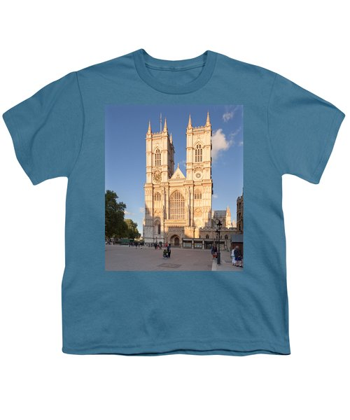 Facade Of A Cathedral, Westminster Youth T-Shirt by Panoramic Images