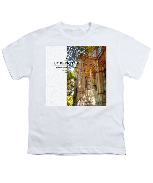 Nice Diggs At Uc Berkeley - Tripping Youth T-Shirt
