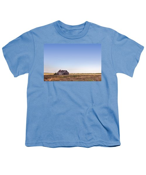Abandoned Farmhouse In A Field Youth T-Shirt
