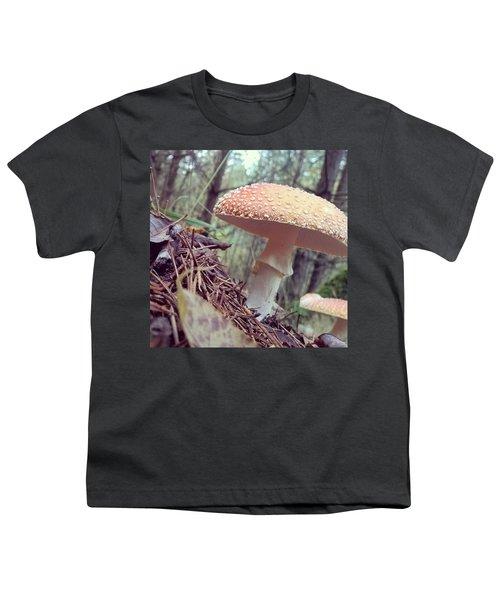 Alle Unter Einem Hut.  #mushrooms Youth T-Shirt