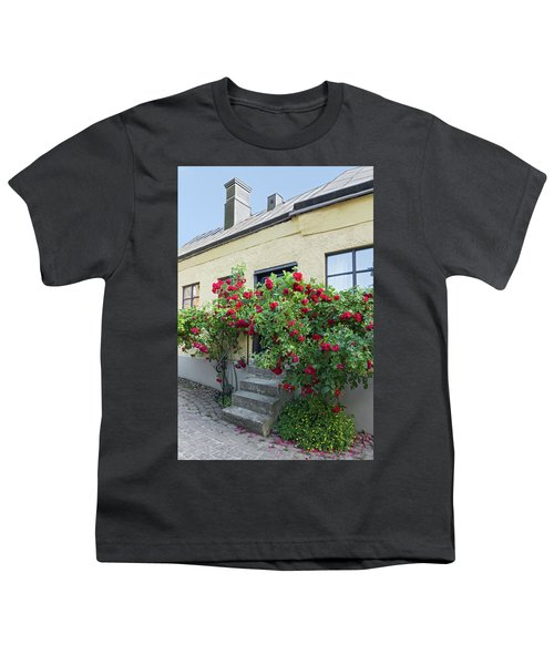 Roses Growing Near The House In A Swedish Town Visby Youth T-Shirt