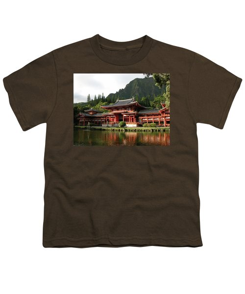Youth T-Shirt featuring the photograph Byodo-in Temple, Oahu, Hawaii by Mark Czerniec