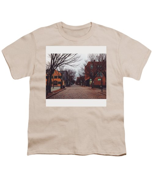 A Christmas Morning Downtown  Youth T-Shirt