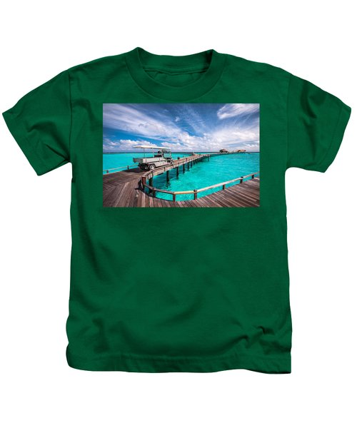 Baggy On The Jetty Over The Blue Lagoon Kids T-Shirt