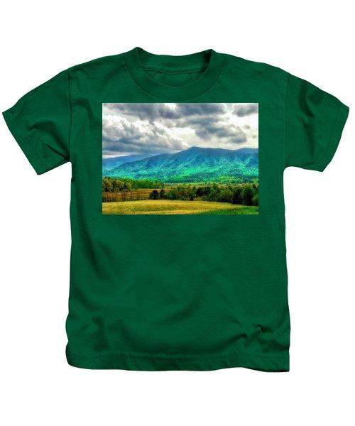 Smoky Mountain Farm Land Kids T-Shirt