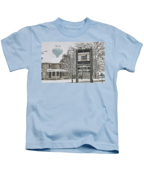 The Whitehouse Inn Sign 7034 Kids T-Shirt by Jack Schultz