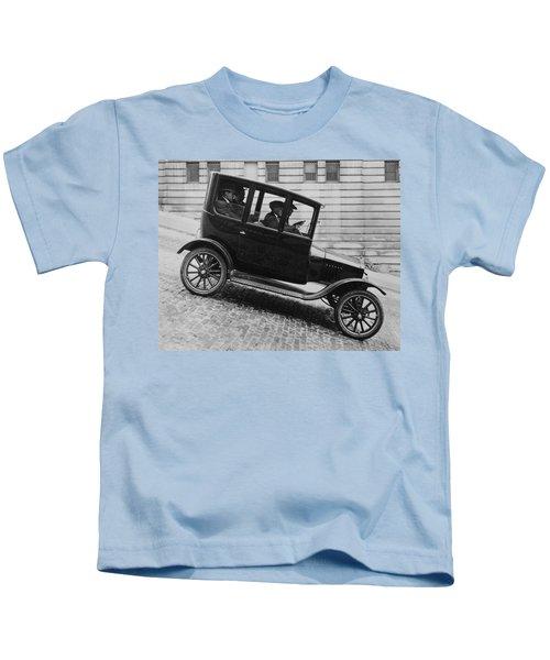 1921 Ford Model T Tudor Kids T-Shirt