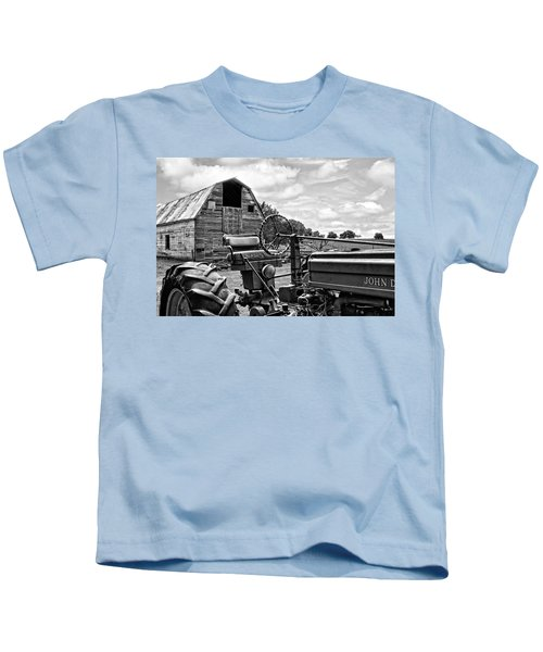 Tractor Barn - Black And White Kids T-Shirt
