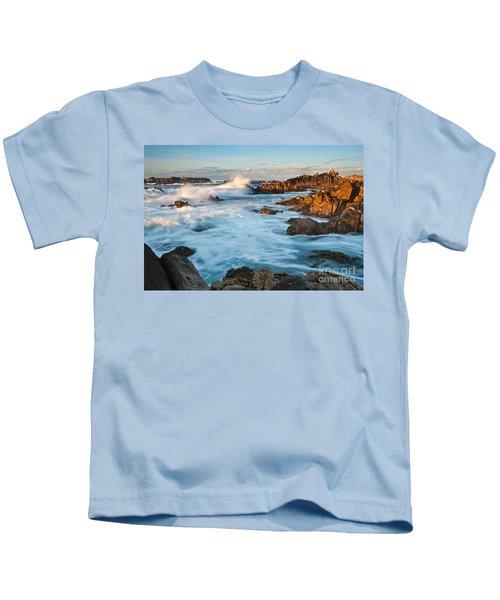 Rocky Asilomar Beach In Monterey Bay At Sunset. Kids T-Shirt