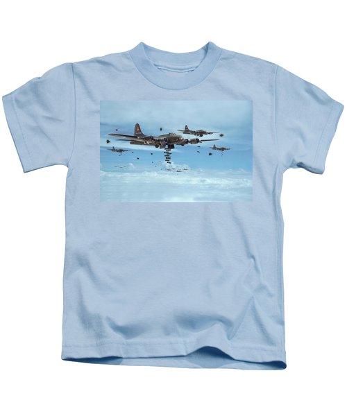 B17 - Mighty 8th Arrives Kids T-Shirt