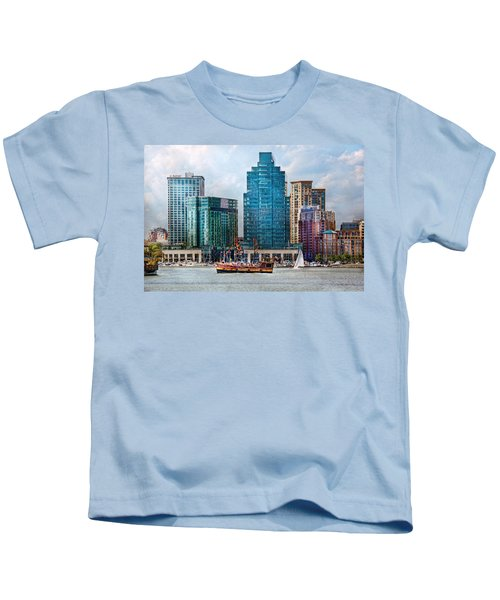 City - Baltimore Md - Harbor East  Kids T-Shirt