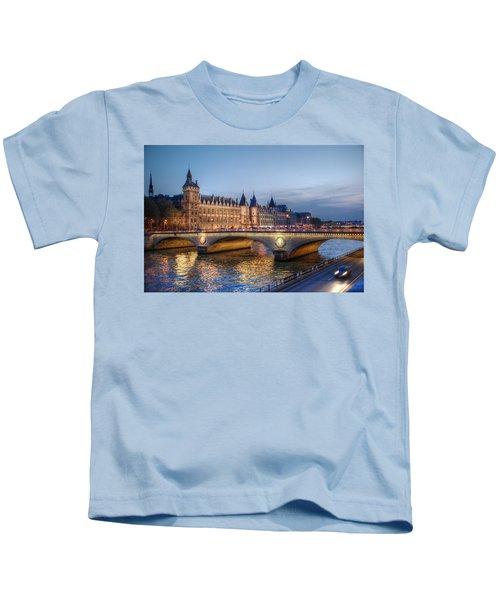 Conciergerie And Pont Napoleon At Twilight Kids T-Shirt