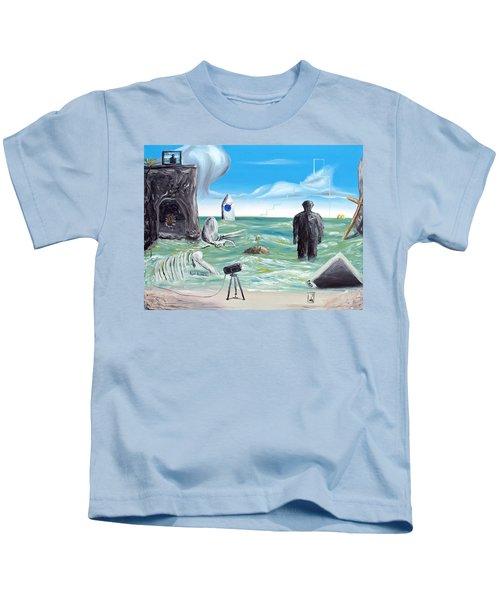 Cosmic Broadcast -last Transmission- Kids T-Shirt