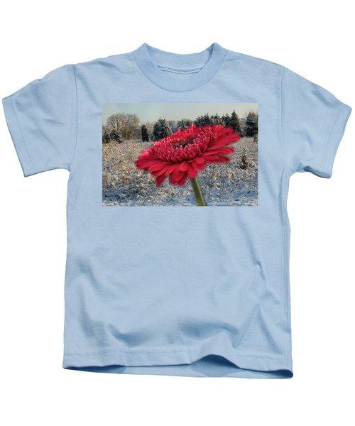 Gerbera Daisy In The Snow Kids T-Shirt