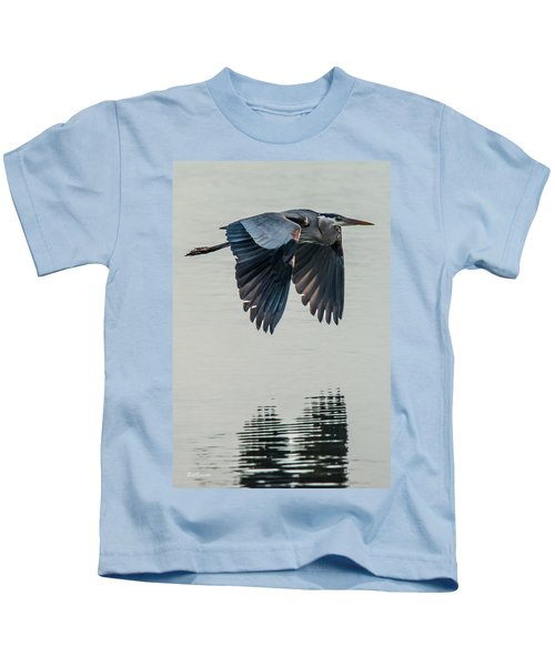 Heron On The Wing Kids T-Shirt
