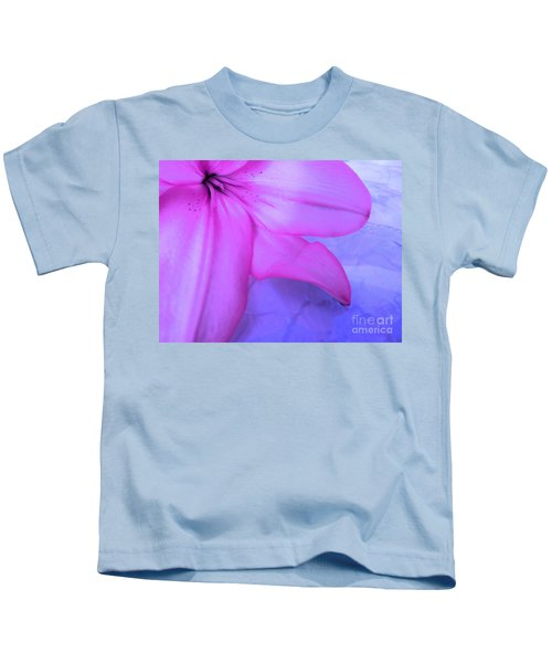 Lily - Digital Art Kids T-Shirt