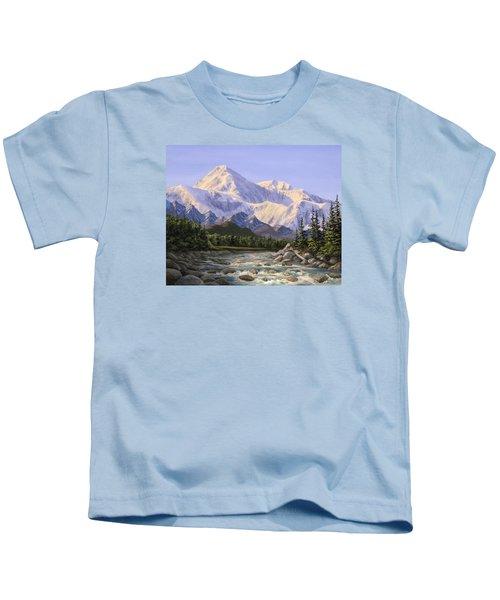 Majestic Denali Mountain Landscape - Alaska Painting - Mountains And River - Wilderness Decor Kids T-Shirt