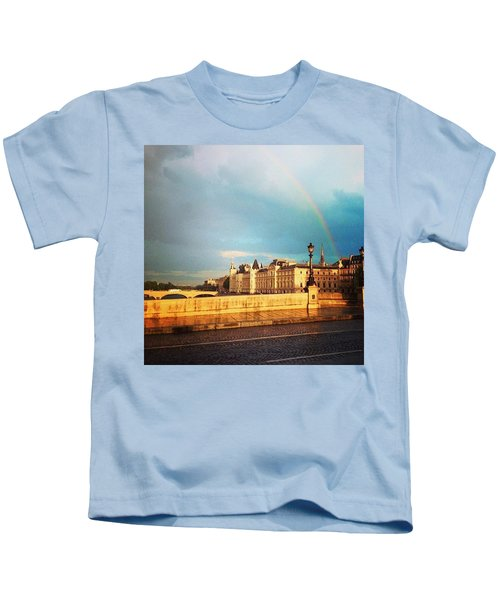 Rainbow Over The Seine. Kids T-Shirt
