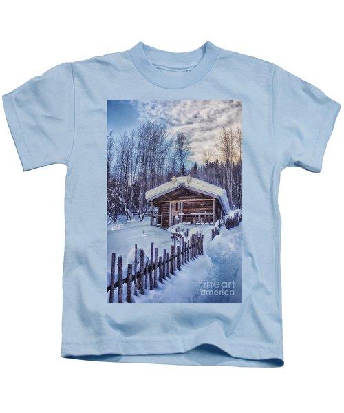 Robert Service Cabin Winter Idyll Kids T-Shirt