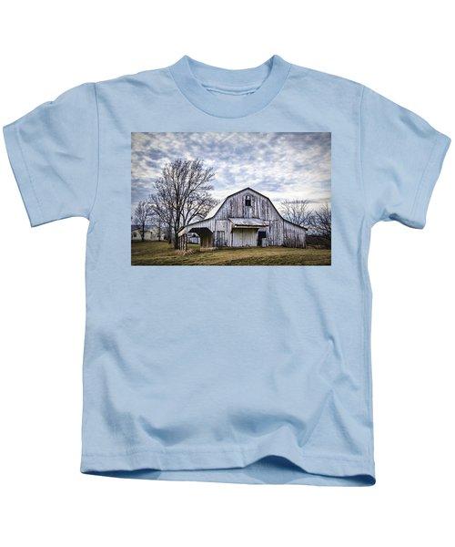 Rustic White Barn Kids T-Shirt