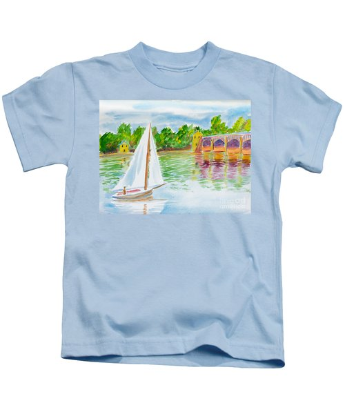 Sailing By The Bridge Kids T-Shirt