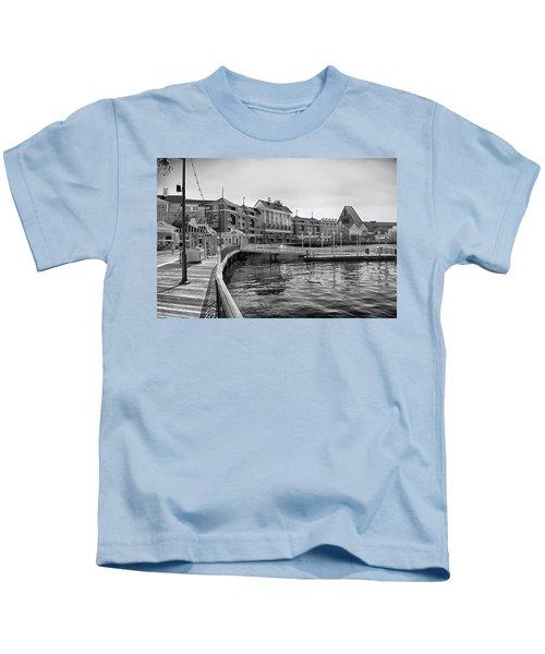 Strolling On The Boardwalk In Black And White Walt Disney World Kids T-Shirt